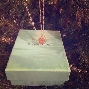 Return to Tiffany-Mini Double Heart Tag Pendant.